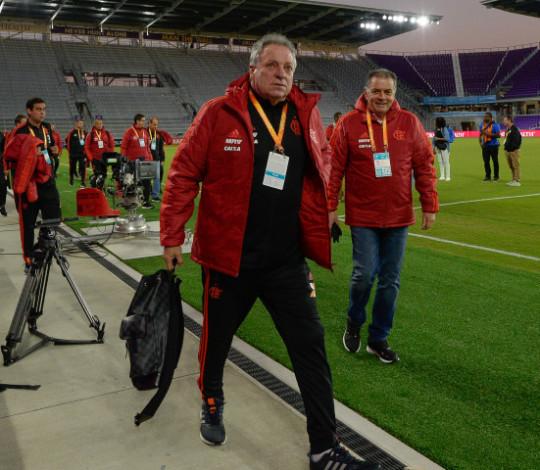 Abel ressalta espírito da equipe e explica estratégia para enfrentar o Ajax