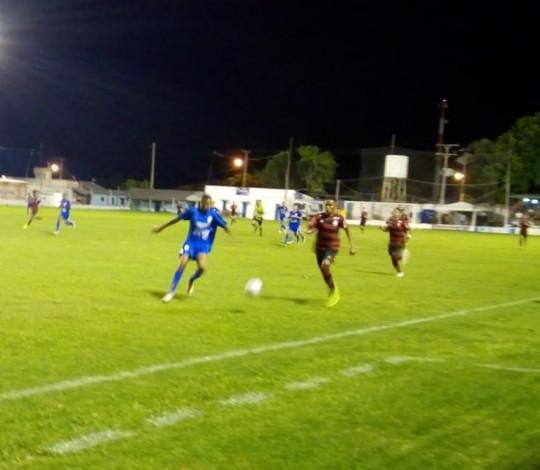 Sub-17 estreia na Copa Santiago com derrota para o Cruzeiro local