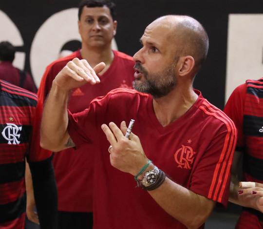 Prestes a estrear na Superliga B, Alexandre Ferrante conversa com o Site Oficial