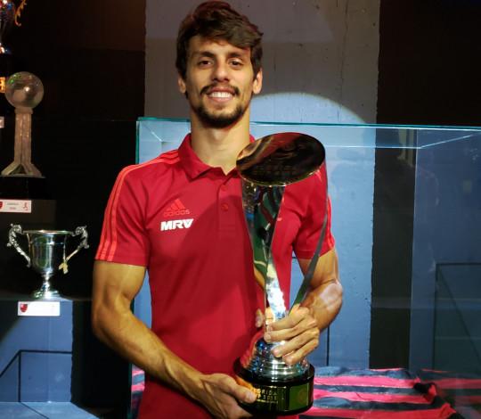 Rodrigo Caio conhece a história do Flamengo e mostra ansiedade apara escrever a sua própria no clube