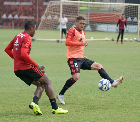 Flamengo encara o Bangu na estreia do Campeonato Carioca