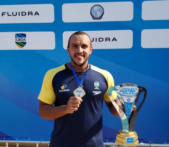 Heitor Carrulo é campeão da Copa UANA pela Seleção Brasileira