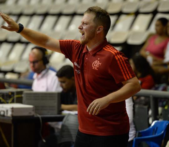 Flamengo recebe Franca em duelo direto no NBB