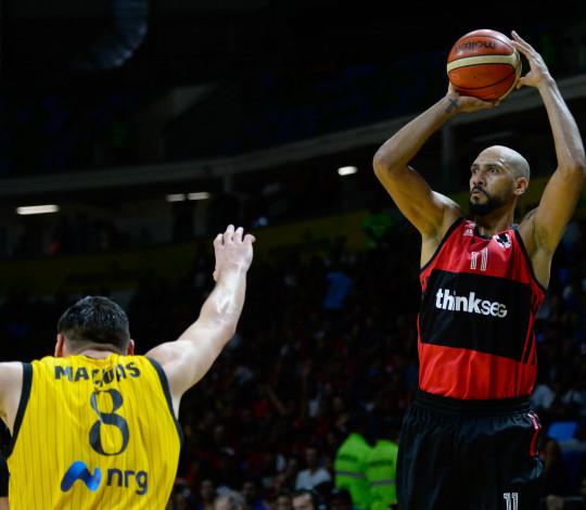 Flamengo perde para AEK e fica com segundo lugar na Copa Intercontinental