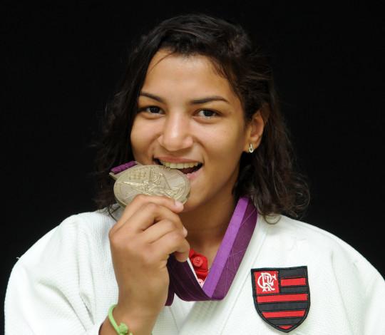 Sarah Menezes muda de categoria e busca vaga nos Jogos Olímpicos de Tóquio 2020