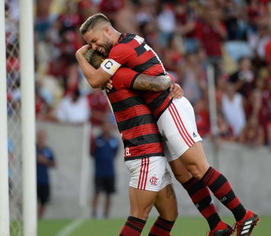 Flamengo goleia Americano na estreia da Taça Rio com primeiro gol de Gabriel