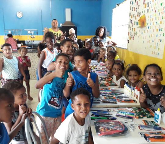 Ação dos materiais escolares do Consulado Flafonseca