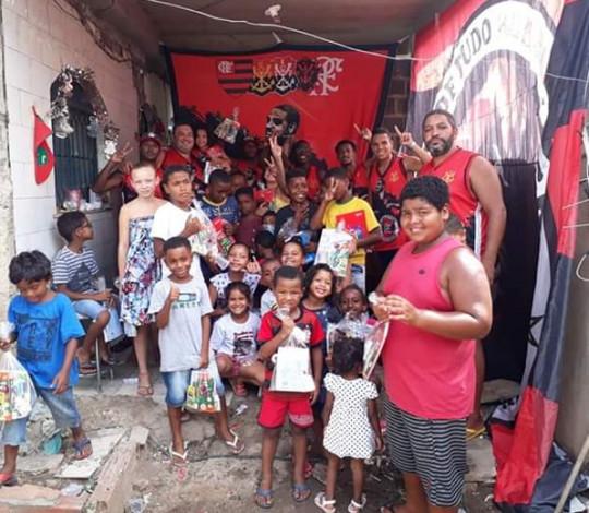 Ação Social de Material Escolar do Consulado Acima de Tudo Rubro-Negro