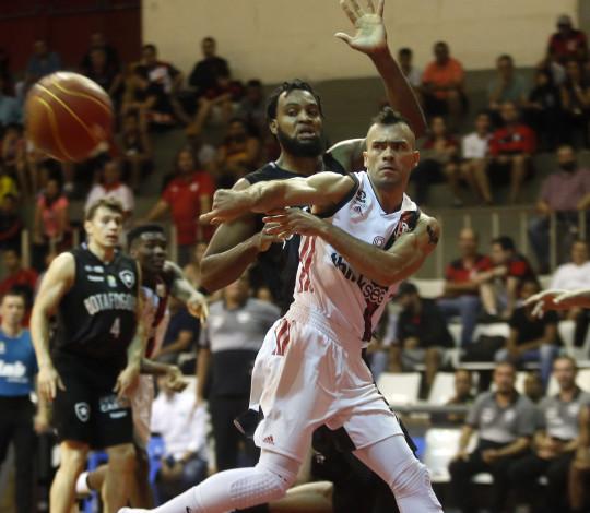 Flamengo e Botafogo voltam a se enfrentar no Oscar Zelaya