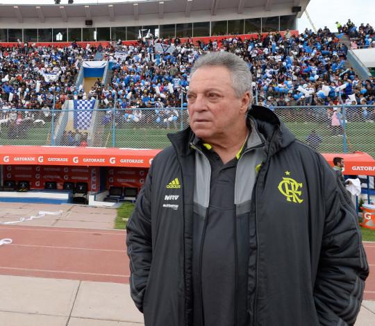 Abel Braga não economiza elogios para o time do Flamengo na vitória pela Libertadores