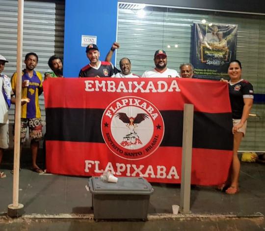Noite sem fome da Embaixada FLAPIXABA