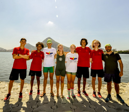 Atletas do Projeto Remar Para o Futuro treinam na Gávea