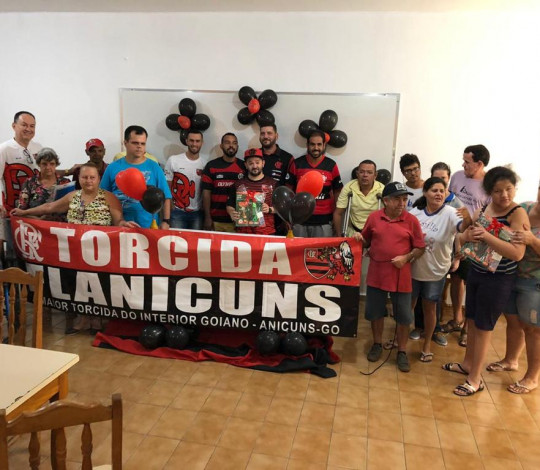 Doações de Kits Escolares do CONSULADO FLANICUNS