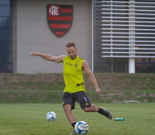 Flamengo e Madureira duelam pela Taça Rio