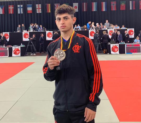 Cauan Salarini conquista a prata na Master Cup Bremen de Judô