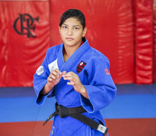 Sarah Menezes renova contrato com o Flamengo até os Jogos Olímpicos de Tóquio 2020