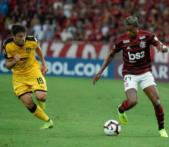 Flamengo é derrotado pelo Peñarol por 1 a 0, no Maracanã