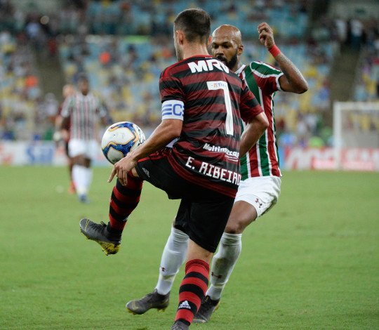 Flamengo reencontra Fluminense em jogo que vale vaga na decisão do Estadual