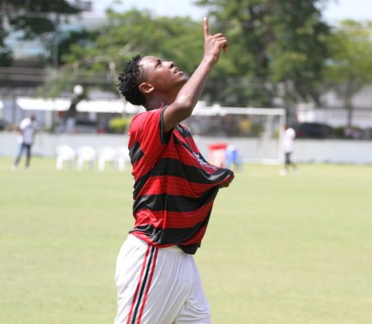 Sub-13 e Sub-14 estreiam no Metropolitano com vitórias sobre o E.C. Resende