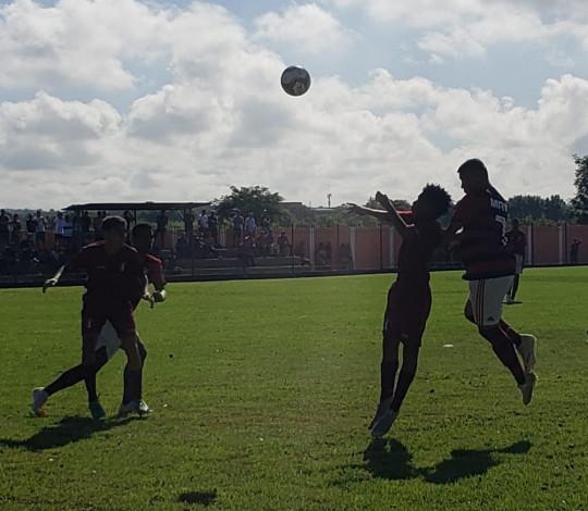 Sub-15 goleia de novo e continua dando show na Taça Guanabara