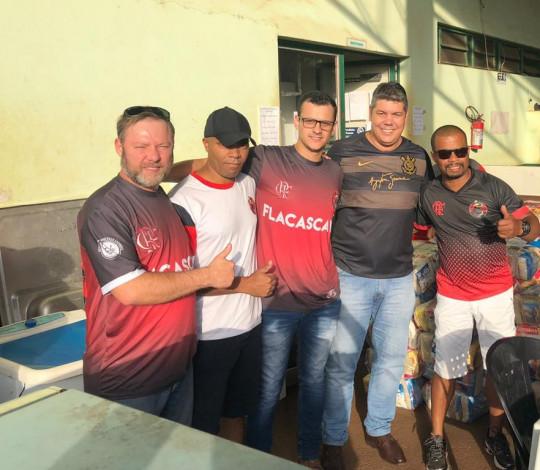 Consulado Fla Cascavel faz ação social por família da cidade