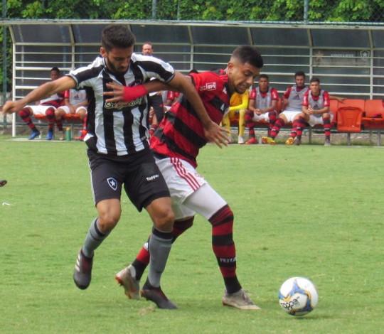 Sub-20 joga com muita raça e, com um a menos, empata fora de casa com o Botafogo