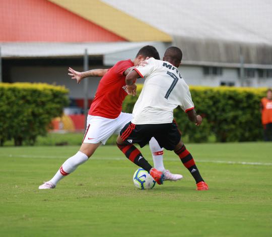 Sub-20 vence mais uma vez o Internacional e, com autoridade, está na semifinal da Copa do Brasil