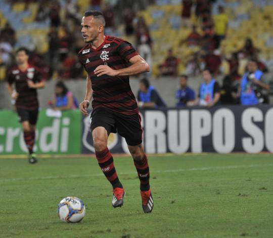 Renê fala sobre decisão contra o Vasco e pede atenção redobrada no clássico