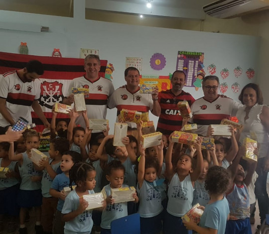 Ação social de Páscoa da Embaixada Rubro-Negra de Nova Iguaçu