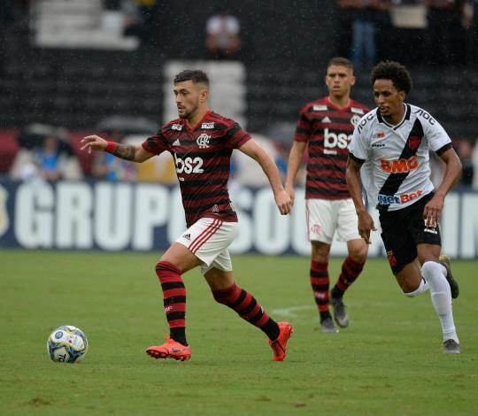 Flamengo encara o Vasco na busca por mais um título do Campeonato Carioca
