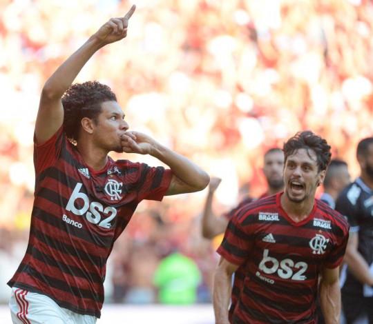 É campeão! Flamengo vence o Vasco por 2 a 0 e conquista o título carioca