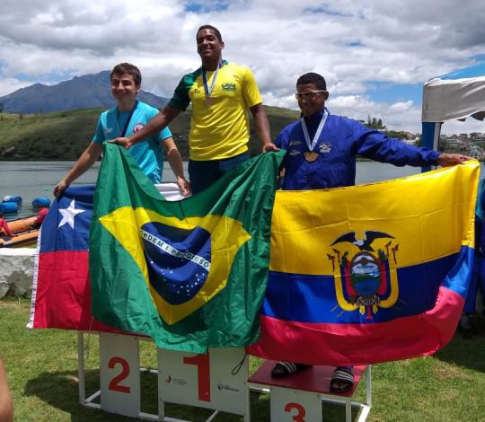 Jacky Godmann conquista cinco ouros no Sul-Americano de Canoagem Velocidade