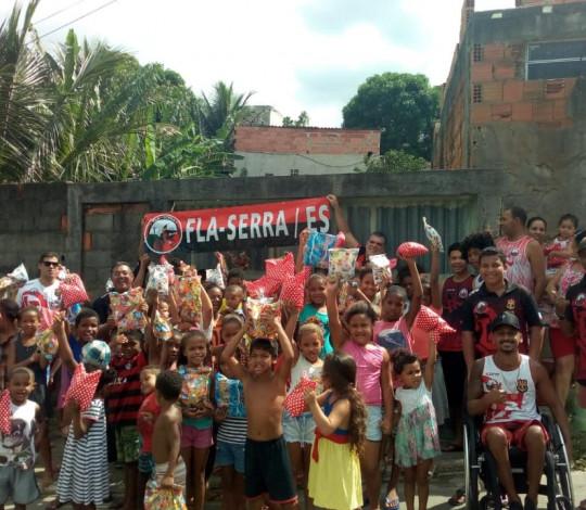 Consulado Fla Serra ES faz ação social de Páscoa