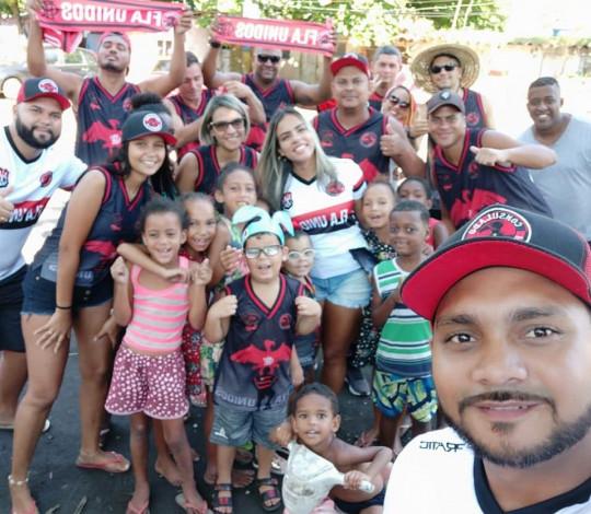 Ação social da Páscoa do Consulado Flaunidos RJ