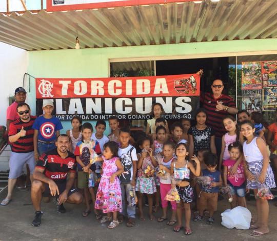 Doações da campanha de chocolate do Consulado Flanicuns