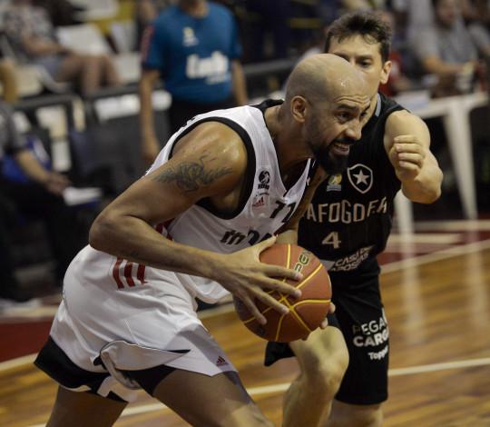 Flamengo encara Botafogo no Oscar Zelaya no Jogo 4 do NBB