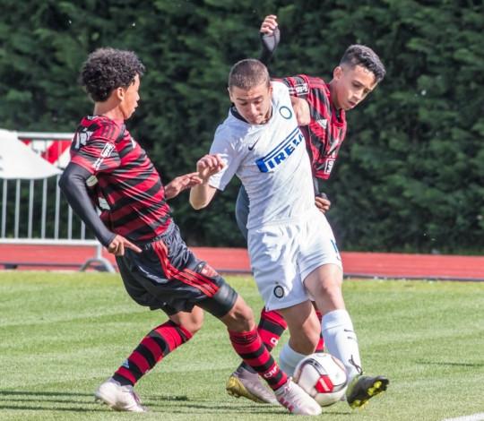 Sub-14 empata por 1 a 1 com a Inter de Milão no Abano Football Trophy, na Itália
