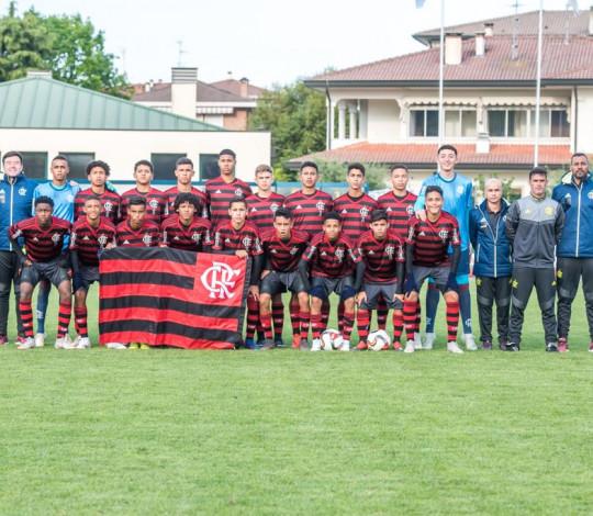 Sub-14 derrota Fiorentina e Napoli e está na final do Abano Football Trophy, na Itália