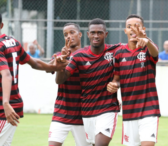 Sub-17 vence o Vasco por 2 a 0, pela Taça Guanabara