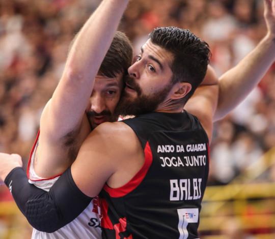 Flamengo perde para Franca no terceiro jogo da final do NBB