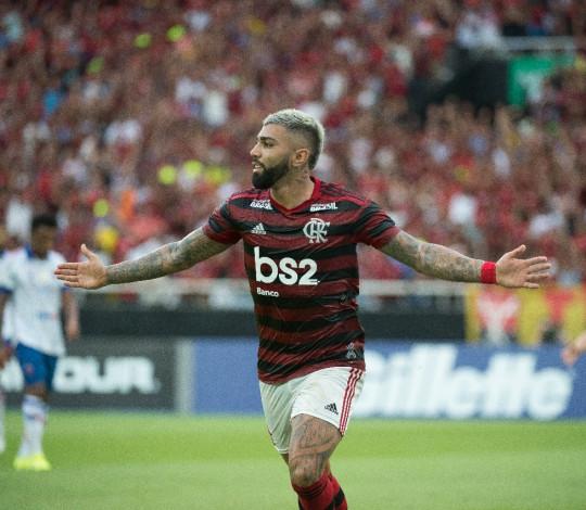 Com dois de Gabigol, Flamengo vence o Fortaleza, no Nilton Santos