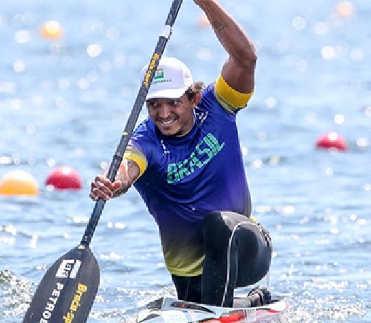 Isaquias Queiroz conquista mais um ouro na Copa do Mundo de Canoagem