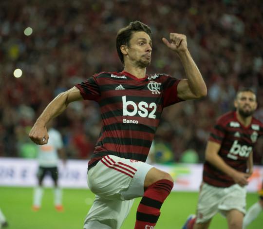 Flamengo vence o Corinthians, no Maraca, e vai às quartas de final da Copa do Brasil