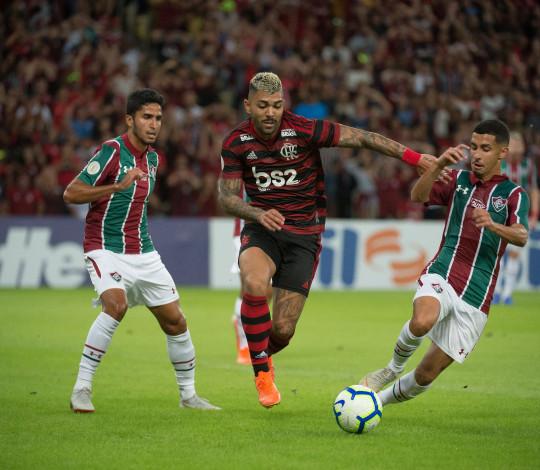 Flamengo não sai do zero com o Fluminense no Maracanã