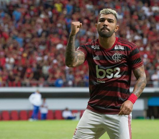 Flamengo vence CSA no último jogo antes da parada para Copa América