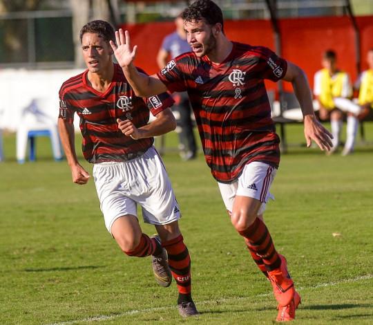 Sub-17 elimina o Athletico-PR com duas vitórias e está na semifinal do Campeonato Brasileiro
