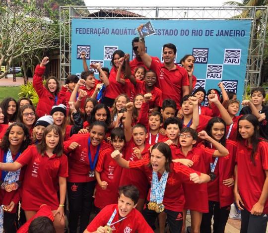 Time Flamengo é campeão do Campeonato Estadual de Inverno Petiz e Mirim de Natação