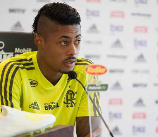 Bruno Henrique destaca a intensidade para o duelo contra o Athletico-PR