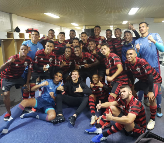 Vem, final! Sub-17 supera São Paulo nos pênaltis e chega a mais uma decisão de competição nacional