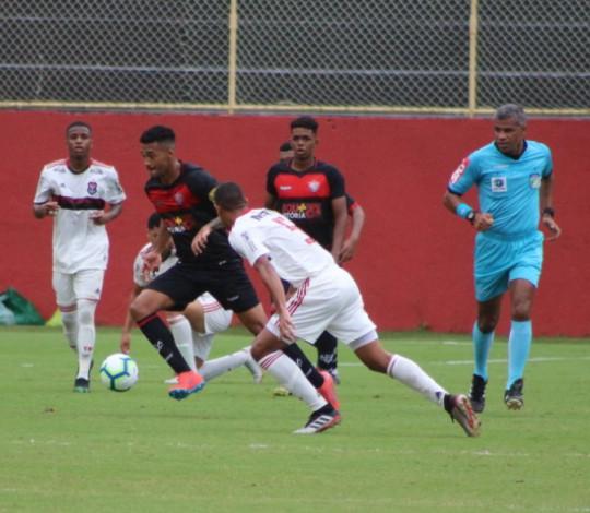 Sub-20 domina o jogo mas empata fora de casa com o Vitória pelo Brasileirão